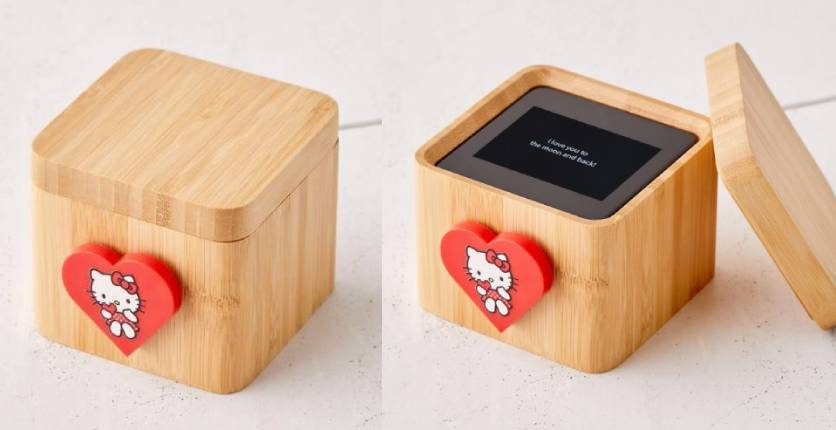 Lovebox X Hello Kitty Color And Pix Messenger